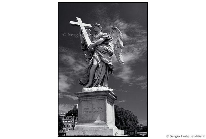 Angel Statue Roma Italia