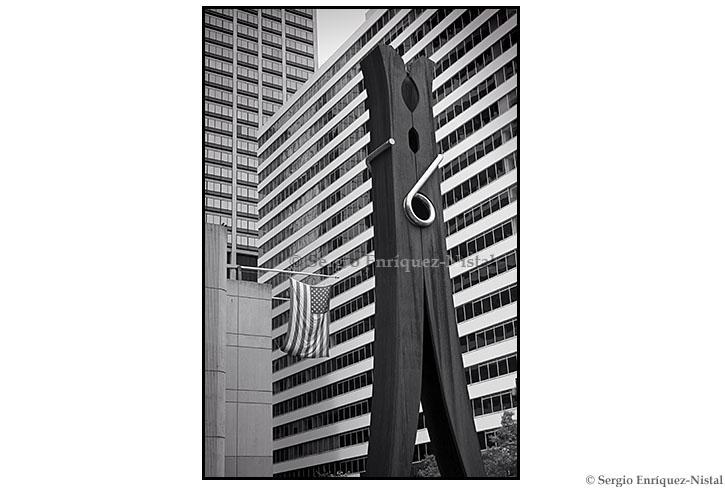 Clothespin Statue Philadelphia